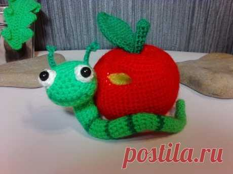 Яблоко с червячком, ч.2.  Apple with a worm, р.2.    Amigurumi. Crochet.