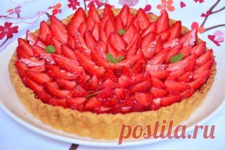 Песочный пирог с клубникой рецепт с фото пошагово - 1000.menu