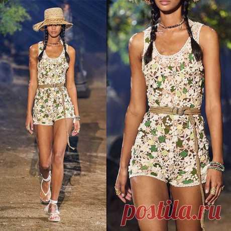 Fashion 2020. Christian Dior  #вязание  #вязаная #мода #модноевязание #женщинамотvera #вязанаямода  #knt #fashion #knitting #knitwear