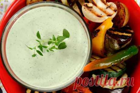 Простой соус с травами, майонезом и йогуртом – пошаговый рецепт с фото.