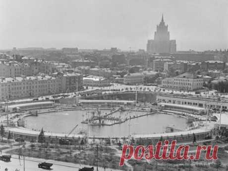 Бассейн 'Москва', 1960 год.