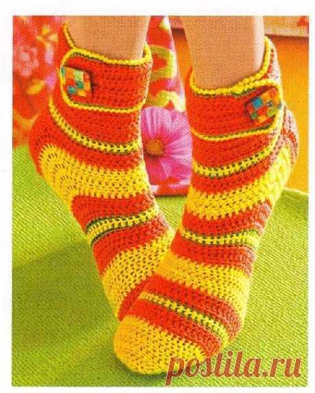 Вязаные носки. Веселенькие вязаные носки крючком. | razpetelka.ru