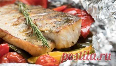 Запеченная рыба с овощами в духовке: вкусные рецепты в фольге