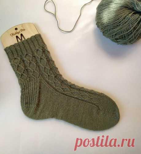Простые и красивые носки спицами — подробное описание и схема | Интернет-магазин пряжи Клавушка | Яндекс Дзен