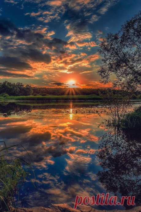 exploring myself outloud — lsleofskye: Summer memories - sunsets on the...