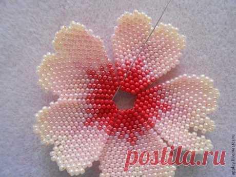 Как сплести маленький цветок из бисера — Сделай сам, идеи для творчества - DIY Ideas