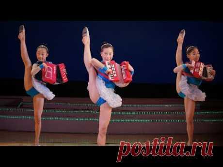 Корейские девушки исполняют танец с обручем! Подписывайтесь на наш канал партнёр https://www.youtube.com/channel/UC8YdPgh0y8X_u0XjKFCHkKQ