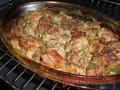 ¡Más con ternura carne no probabais — la carne perfumada en georgiano! \u000d\u000a¡Esto ni que peor shashlik sobre la naturaleza — la carne en el horno o la carne en georgiano! Hace mucho buscaba tal receta, la carne ha resultado jugoso y suave …\u000d\u000aLa cocina georgiana — el pozo de las recetas acertadas de la preparación myas …