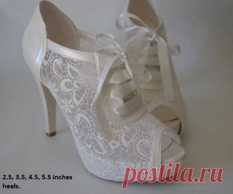 Wedding shoes, Bridal shoes, Bridesmaid shoes, Bride shoes, Handmade shoes, GUIPURE lace, ivory /pearl white color and Via UPS You have Etsy Purchase Guarantee Policy  **** PLEASE ADD A NOTE YOUR HEELS HEIGHT AND PHONE NUMBER FOR UPS courier. ****  My shoe including:  * Anatomic base.  * 2 1/2 - 3 1/2 - 4 1/2 - 5 1/2 inches heel height.  * Special non-slip bottom.  * French lace and other special materials.  ****** Please add a note heel size ! ******  Color options: ivory...