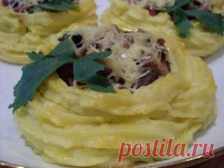 Как приготовить картофельные корзинки с грибами и ветчиной - рецепт, ингредиенты и фотографии