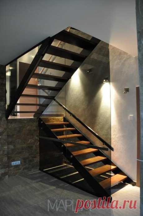 Изготовление лестниц, ограждений, перил Маршаг – Лестницы из стекла тетивные