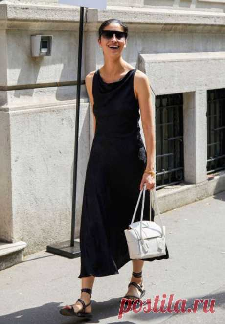 12 свежих образов на июль 2019, их носили в Милане В летнюю жару вы теряетесь: вам просто хочется носить купальники и как можно больше платьев? Вы в недоумение чем закончить образ, чтобы он был свежим и