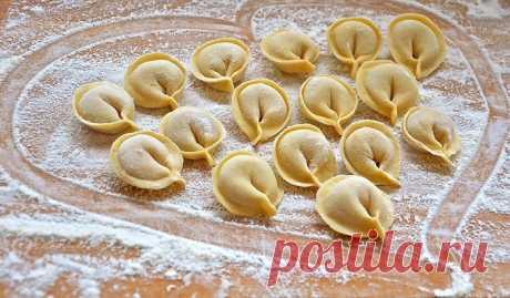 Cuper-testo ¡A los pelmeni y vareniki - el Gurú Testo Culinario resulta admirable! Se llama «las manos Puras», y poluchaetsya-muka para el modelado casi...