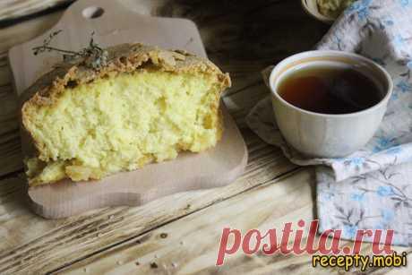 Пышная шарлотка с сахарной корочкой - классический рецепт яблочного десерта