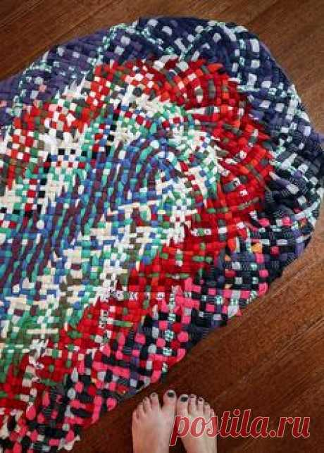 7 Ways to Make a Rag Rug from old Clothes