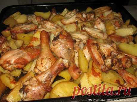 La gallina con las patatas en shashlychnom el estilo: es sabroso