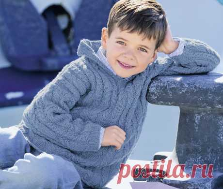 Детский джемпер с капюшоном и рельефными «косами» - схема вязания спицами. Вяжем Джемперы на Verena.ru