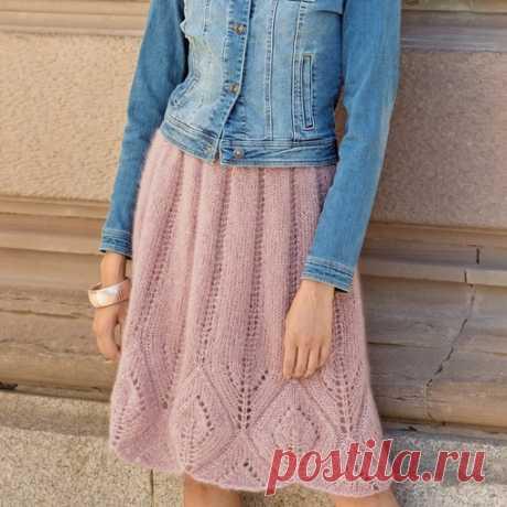 Юбка с крупным ажурным узором  Нежная и романтичная юбка из пряжи с большим содержанием мохера.  Размеры Показать полностью...