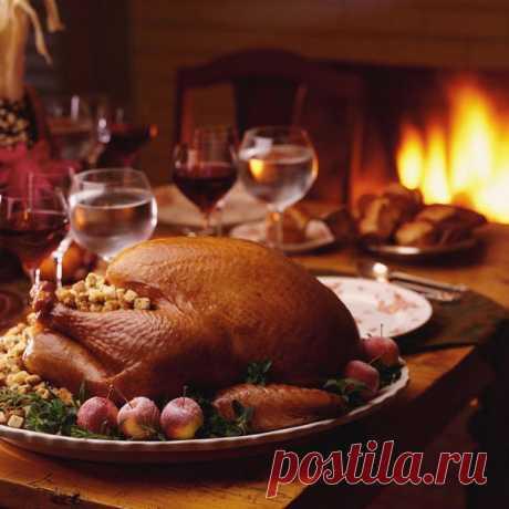 Рождество по-русски: традиционные рецепты к празднику Многие из рождественских рецептов XVIII-XIX веков уже не повторить, потому что ингредиенты просто недоступны. Но мы все-таки нашли в старинных книгах блюда, которые по силам воплотить любой хозяйке. Рождественский гусь Для приготовления вам понадобится: гусь – 4,5 кг, картофель – 12...