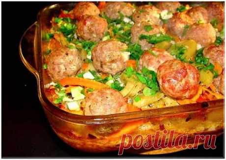 Potato baked pudding with meatballs