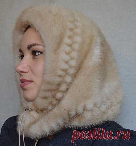 ВЫКРОЙКА ШАПКИ-КАПОРА   Для тех, кто не любит шапки, есть удобный альтернативный вариант – капор или, иначе говоря, шапка-капюшон, сочетающая в себе элементы и шарфа, и шапки. Красивый и практичный головной убор держит в тепле голову, уши и лоб. Кроме того, он может защищать от холода плечи и спину, если фасон капора удлиненный. Шапки такого типа носили уже в XIX веке. Тогда капор представлял собой что-то, напоминающее шляпу с твердыми полями, которая была похожа на чепчик...