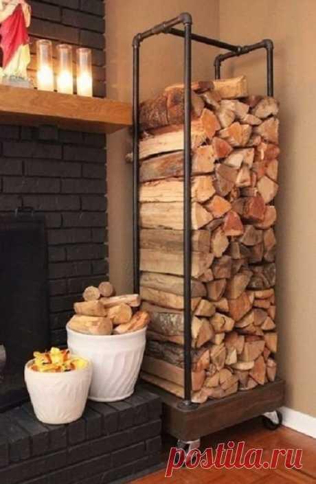 Идея хранения дров в доме для печки или камина - аккуратно и красиво