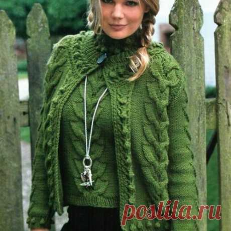 Комплект вязаный спицами. Пуловер и жакет веерообразным узором спицами   Вязание для всей семьи