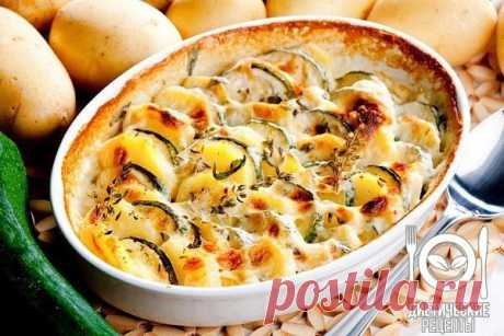 Gentle vegetable marrows casserole\u000aon 100 grams - 63.95 kkalb\/zh\/u - 4.8\/2.97\/4.3 \u000a\u000aIngredients: \u000aVegetable marrows - 750 g \u000aYogurt natural - 250 g \u000aEggs - 2 pieces \u000aCheese - 100 g \u000aGarlic - 5 g \u000aBasil - to taste \u000aSalt, pepper - to taste \u000aFor the recipe thanks to group Dietary recipes \u000a\u000aPreparation: \u000aTo clear vegetable marrows of a thin skin and seeds. To cut them on thin slices. To boil on couple to semi-readiness (5 minutes). To cast away on a colander and to cool. To grate cheese on a small grater. To peel garlic also to...