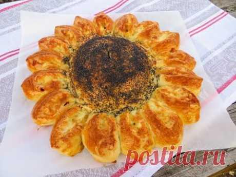Еще один обалденный рецепт пирога / Тесто на кефире, двойная начинка и очень красивый!