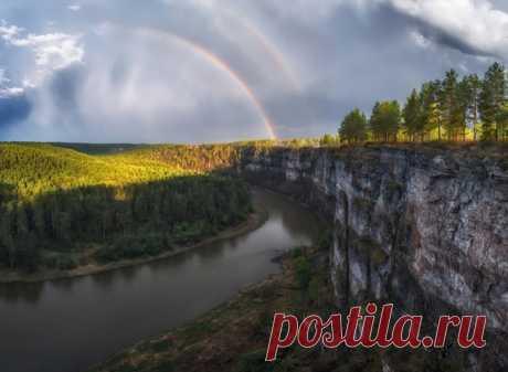 Los Pritesy grandes sobre el río Ay, los Urales Del sur. El autor de la foto – Andrei Grachev: nat-geo.ru\/photo\/user\/17584\/