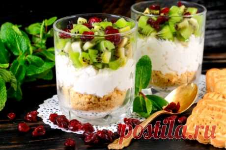 The recipe of portion cheesecake with the kiwi \/ Menu of week