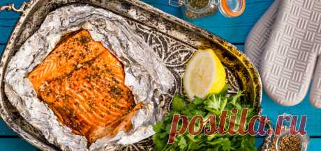 """Лосось с приправами запечённый в фольге - рецепт с фото - FoodForLife Лосось с приправами запечённый в фольге, рецепт приготовления с простой пошаговой инструкцией и фото. Кулинарный блог """"FoodForLife""""."""