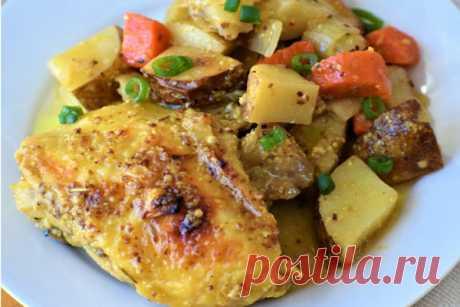 Запеченная курица и картофель в медово-горчичном соусе