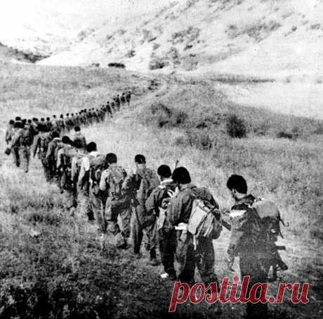 Արցախյան պատերազմում անհետ կորել են ավելի քան 1000 զինվոր ու ազատամարտիկ: «Հայոց լեռներում» Մեր ճամփեն խավար, մեր ճամփեն գիշեր, Ու մենք անհատնում էն անլույս մըթնում Երկա՜ր դարերով գընում ենք դեպ վեր Հայոց լեռներում, Դըժար լեռներում։  Տանում ենք հընուց մեր գանձերն անգին, Մեր գանձերը ծով, Ինչ որ դարերով Երկնել է, ծընել մեր խորունկ հոգին Հայոց լեռներում, Բարձըր լեռներում։  Բայց քանի անգամ շեկ անապատի Օրդուները սև Իրարու ետև Եկա՜ն զարկեցին մեր քարվանն ազնիվ Հայոց լեռներում,