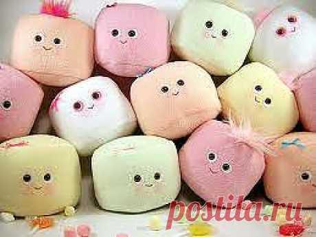 Marshmellou (marshmallow) - es subida la golosina popular en los EEUU. Por el aspecto exterior y el gusto casi el céfiro, pero no contiene ni el puré de manzana, ni la clara de huevo.