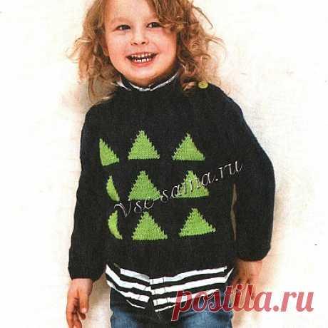 Пуловер с треугольниками на мальчика Пуловер с треугольниками на мальчика, вяжется спицами. На рост 98(110)122 (134)146 см