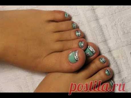 Unhas dos pés decoradas, oncinha combinada a candy color