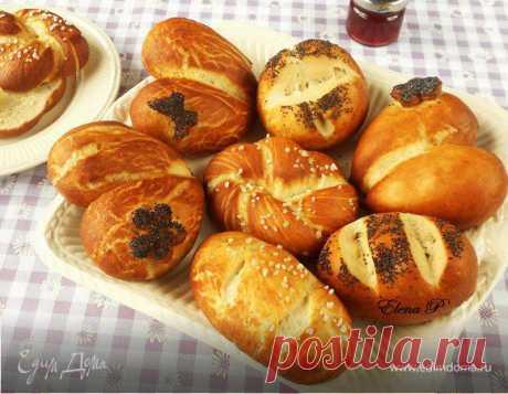 Немецкие булочки к завтраку. Ингредиенты: пшеничная мука, вода, молоко