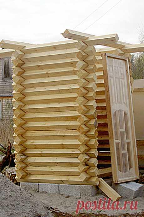 Креативный деревянный туалет для дачи