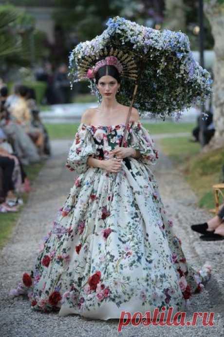 Показ Dolce & Gabbana на озере Комо Часть II  #fashion #подиум