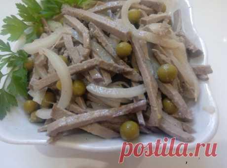Салат из печени с зеленым горошком и маринованным луком. Вкусный рецепт без майонеза. | Кулинарные рецепты