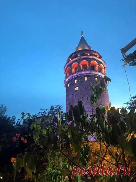 Галатская башня вечером.