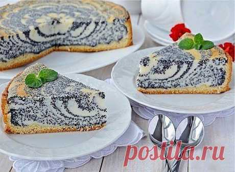 Пирог с маковый с творогом.