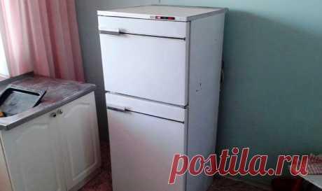 Уговорил мастера рассказать, как сделать любой холодильник тихим. Даю 4 совета и 1 хитрость Пришел в гости у другу и сидели мы с ним на кухне. И тут я обратил внимание на то, что совершенно не слышу, как у него работает холодильник. У меня мой агрегат периодически надоедает шумом. Друг рассказал о том, что недавно вызывал мастера и тот, роме ремонта холодильника, еще и поделился своими профессиональными советами. Недостаточно […]