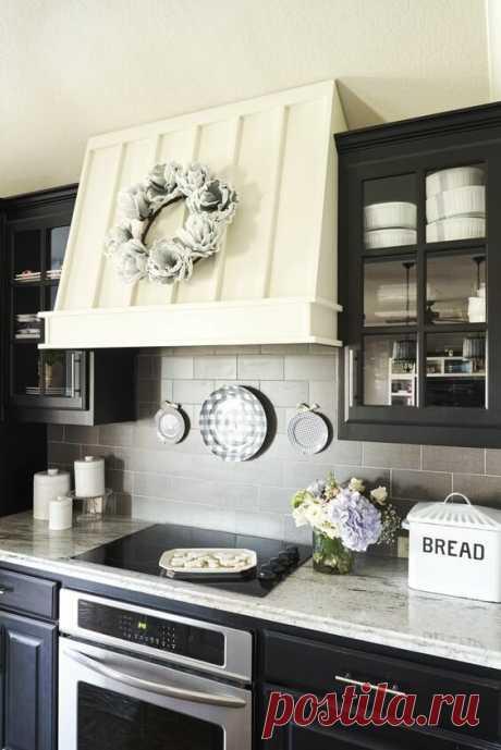 Как можно обыграть дешевую кухонную вытяжку/ экономный ремонт