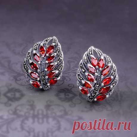 Garnet earrings-Blue corundum leaf earrings-925 silver | Etsy