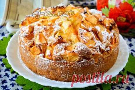 Яблочный пирог на кефире: вкуснее шарлотки, а готовить легче