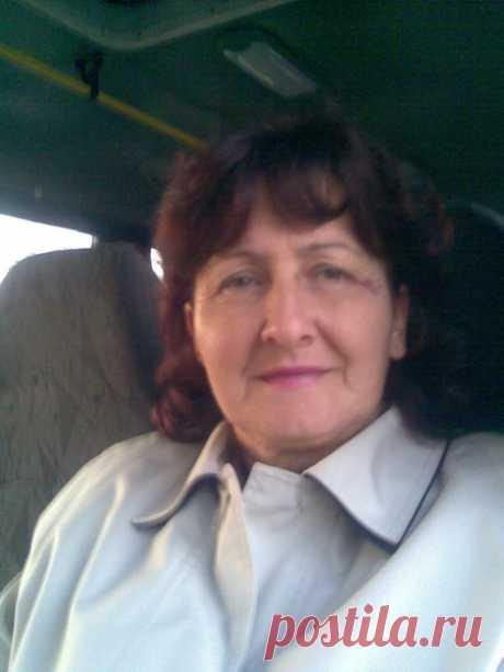 Белла Кацанова