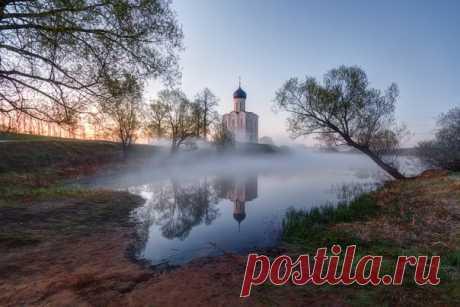 Церковь Покрова на Нерли, Владимирская область. Автор фото: Василий Осипов.