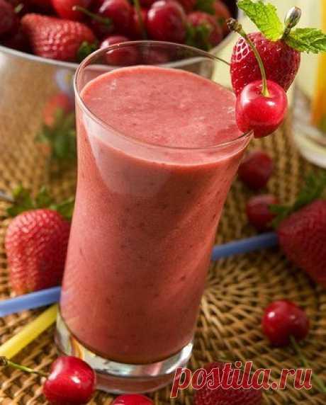 Смузи из клубники и черешни рецепт – детское меню: напитки